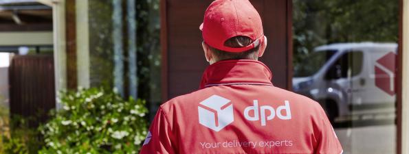 dpd_driver_delivery_folderLargeImage